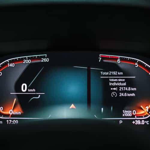 เรือนไมล์ดิจิตอล BMW Series 3 330i M Sport G20