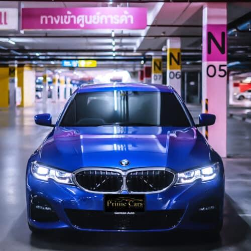 ด้านหน้า BMW Series 3 330i M Sport G20