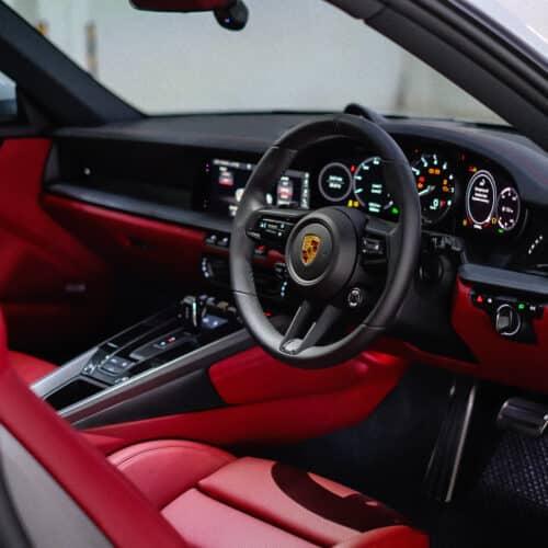 เช่า Porsche 911 Carrera S 992 ภายใน