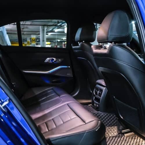 เบาะหลังของ BMW Series 3 330i M Sport G20