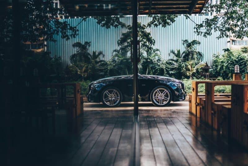 ราคาค่าเช่ารถหรู เช่ารถเบนซ์ E350e AMG