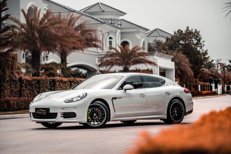 เช่า Porsche Panamera S