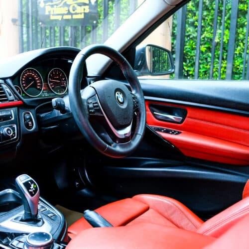 BMW 320i F30 คอนโซล