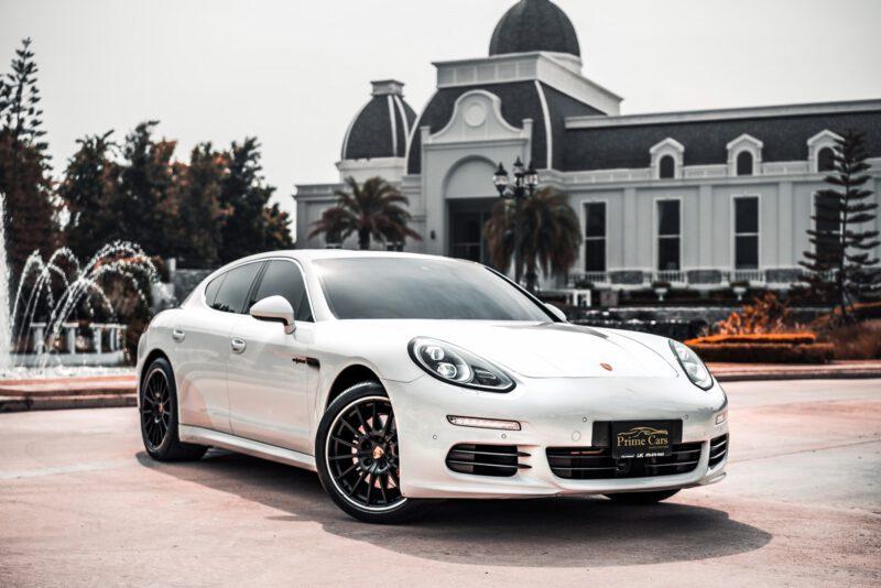 Porsche Panamera S กับการจอดรถ Supercar Parking