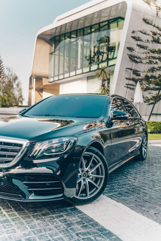 ไฟหน้าของ Mercedes-Benz S Class 2021 เช่าขับเอง