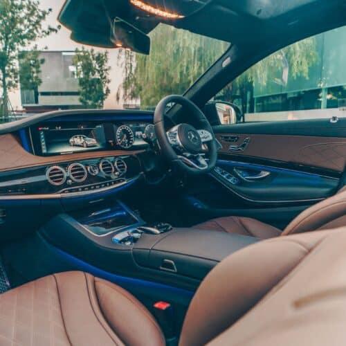 เบาะนั่งคู่หน้าของ Mercedes-Benz S Class 2021 เช่าขับเอง