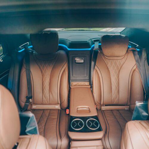 เบาะคู่หลังของ Mercedes-Benz S Class 2021 เช่าขับเอง