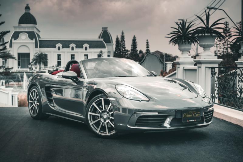 เช่ารถหรูเปิดประทุน Porsche 718 Boxster