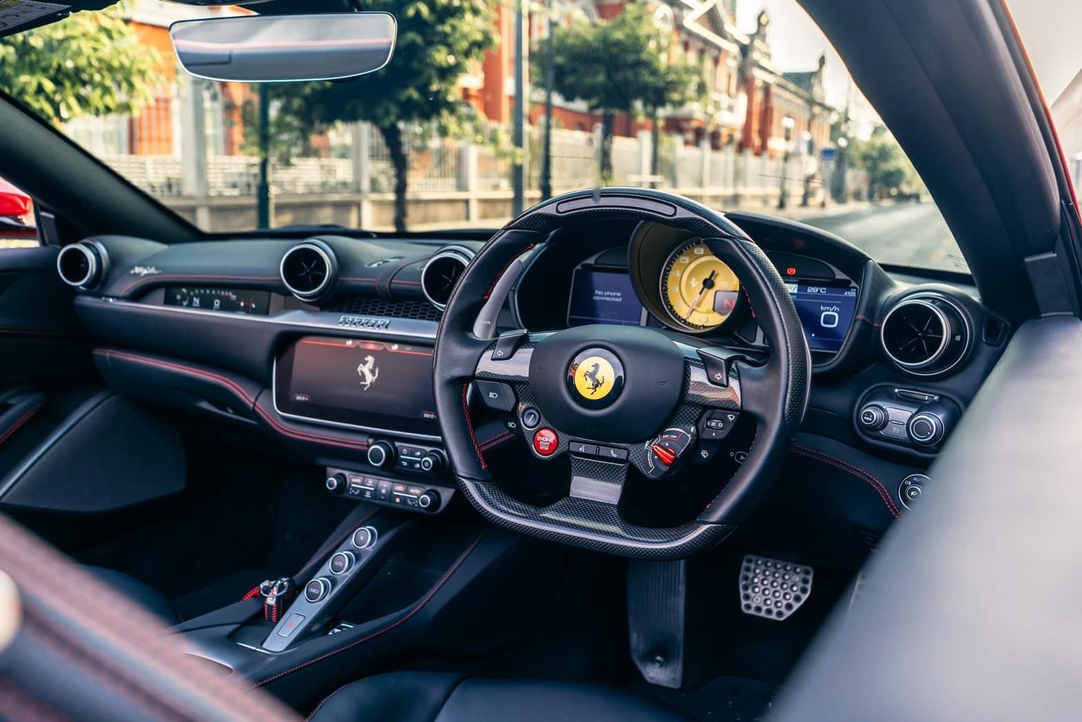 ภายในของ Ferrari Portofino