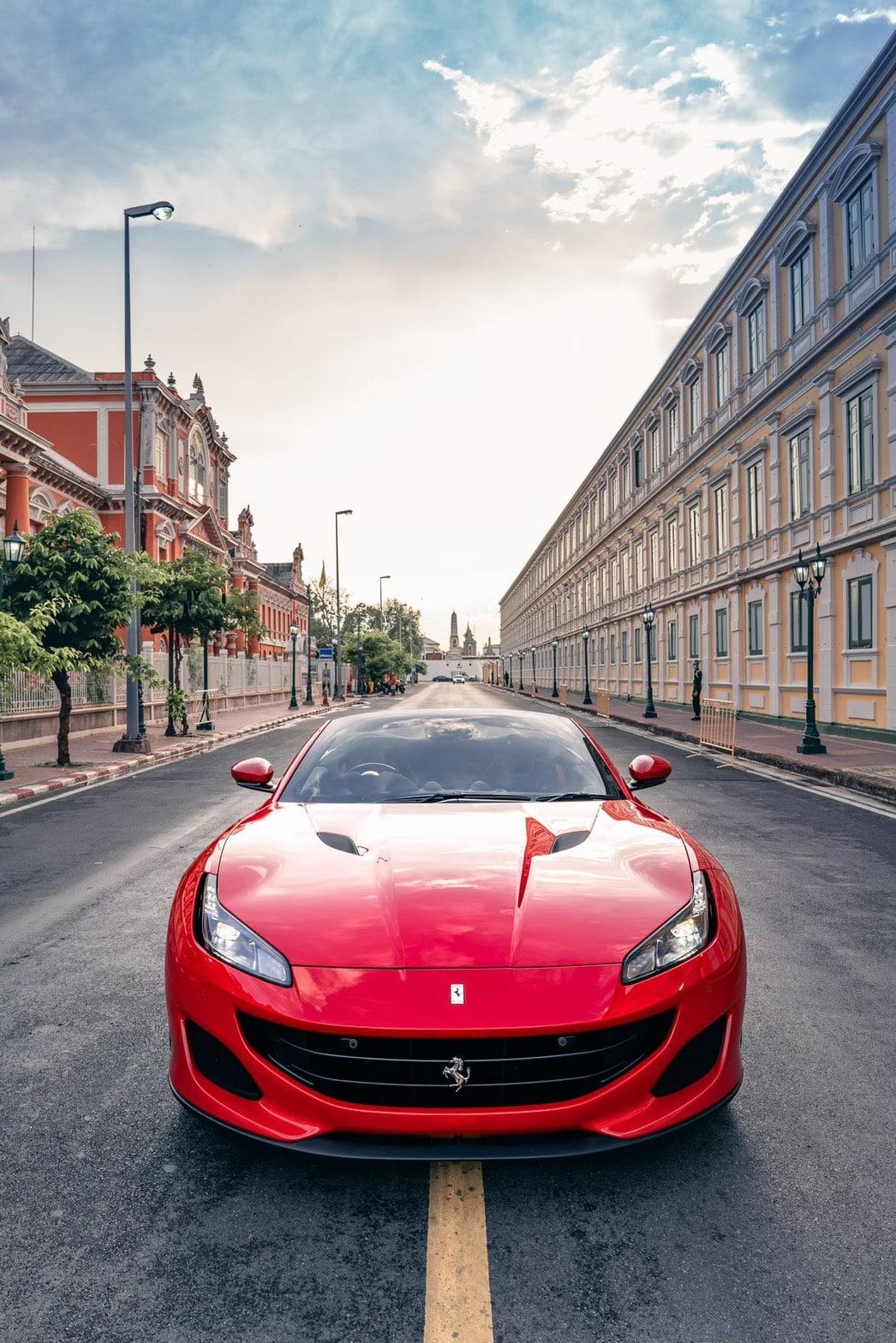 เช่ารถ Ferrari Portofino มุมมองด้านหน้า