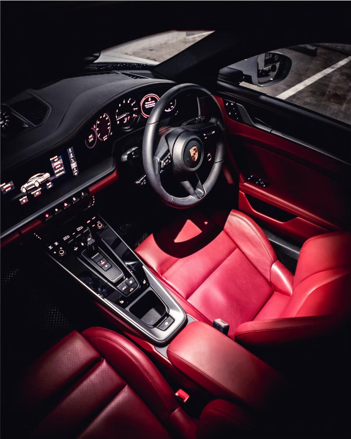 ภายใน Porsche 911 Carrera S