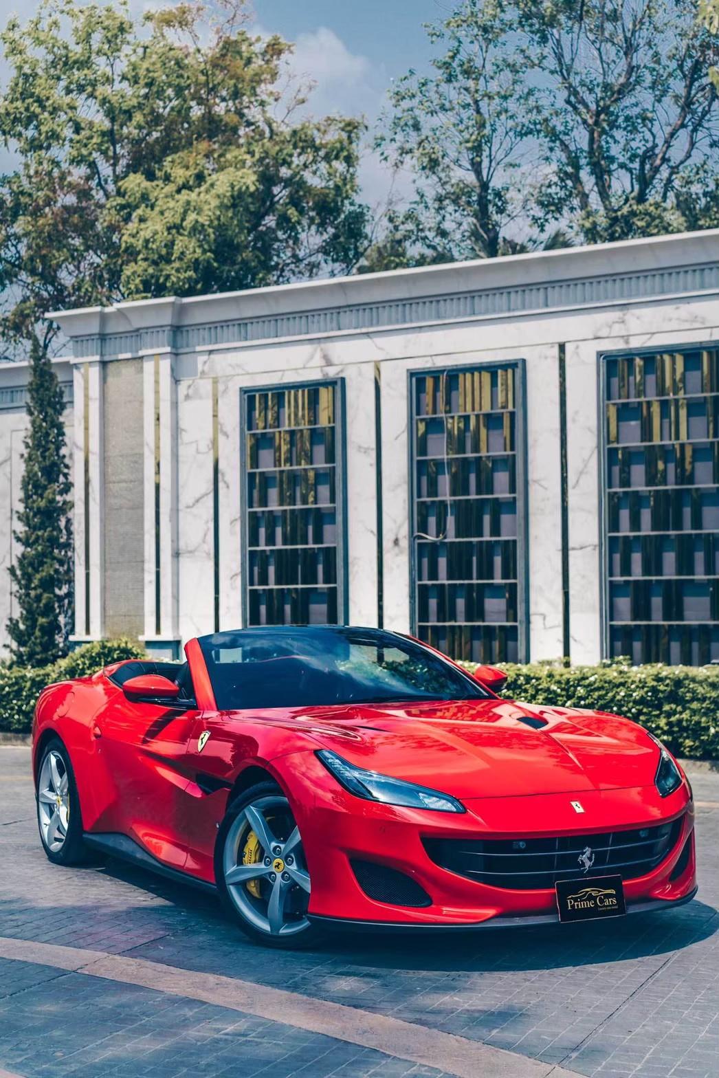 เช่ารถเที่ยว กับ Ferrari Portofino
