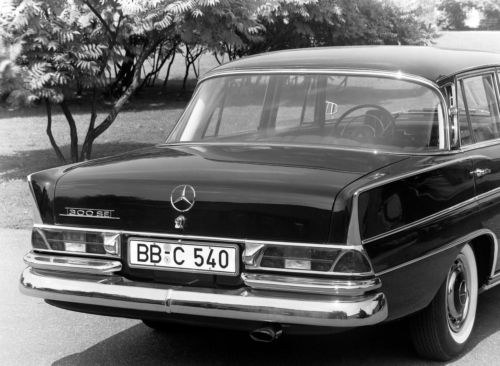 Mercedes-Benz W 112