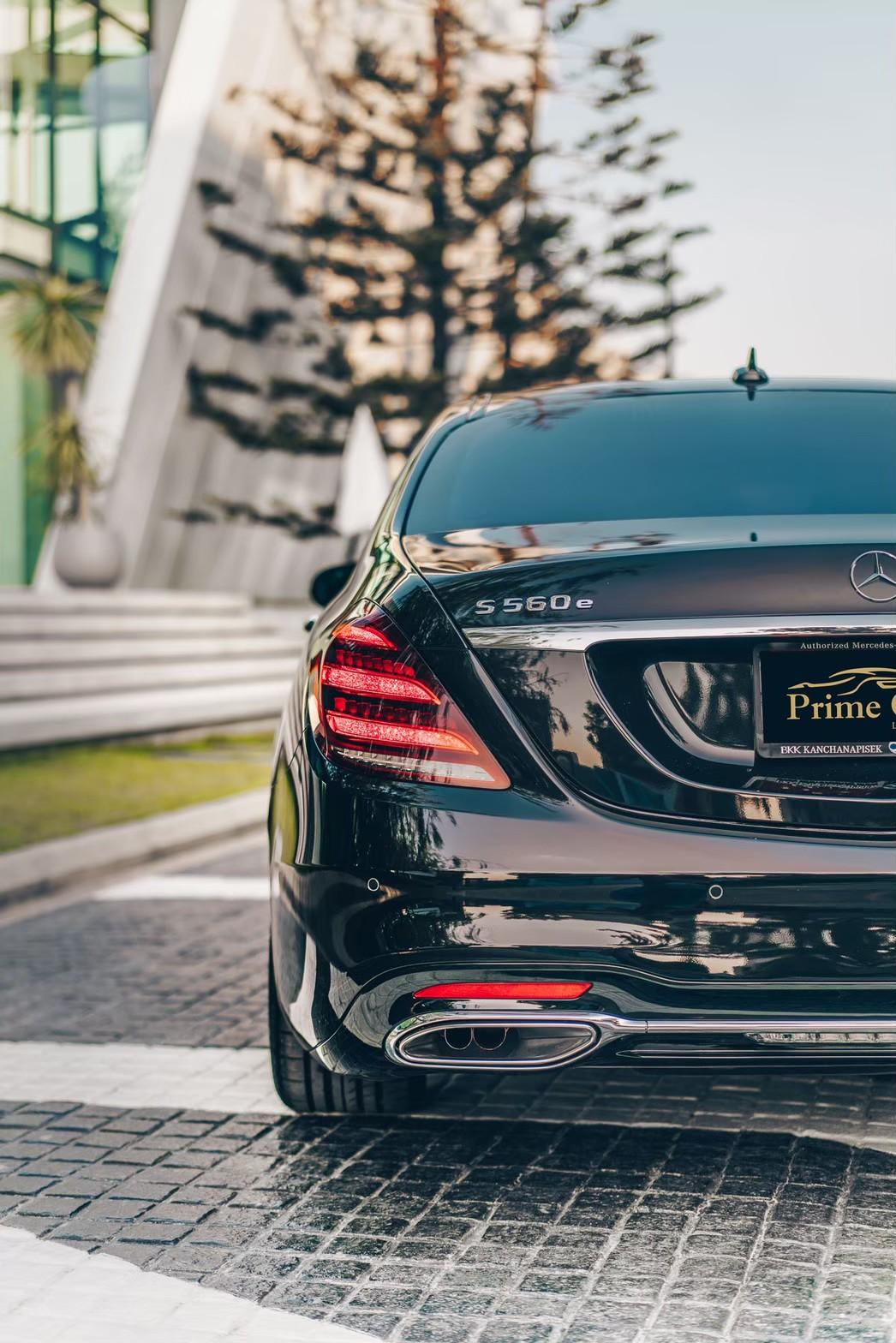 Mercedes-Benz S-Class 560e AMG Premium