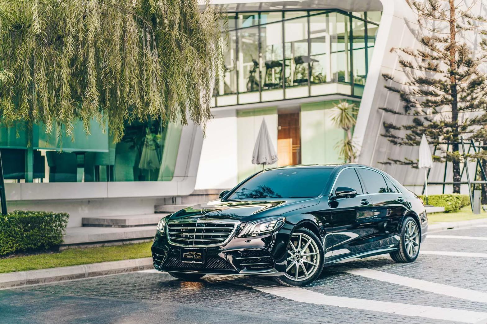 Mercedes-Benz S560e AMG Premium Front