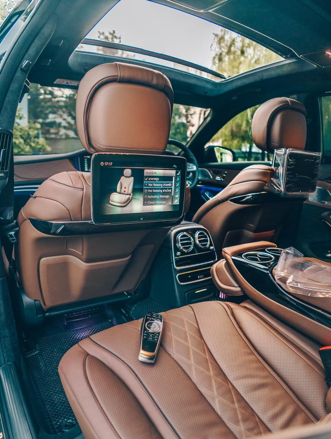 Mercedes-Benz S560e AMG Premium ภายใน