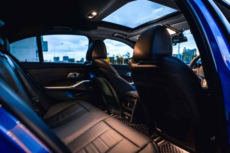 เบาะหลัง BMW 330e M Sport G20