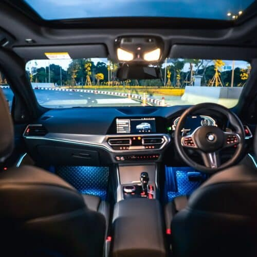 ห้องโดยสารของ BMW 330e G20