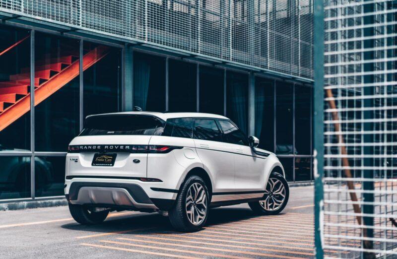 ด้านท้ายของ Range Rover Evoque 2021