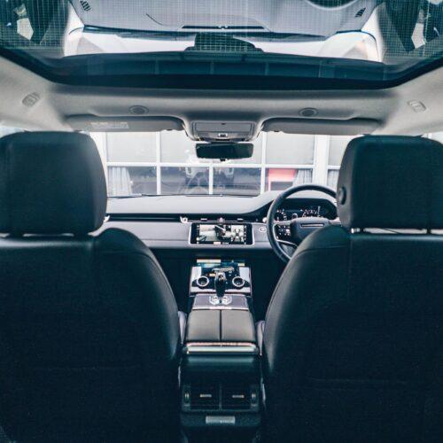 ภายใน Range Rover Evoque พร้อมหลังคาแก้ว