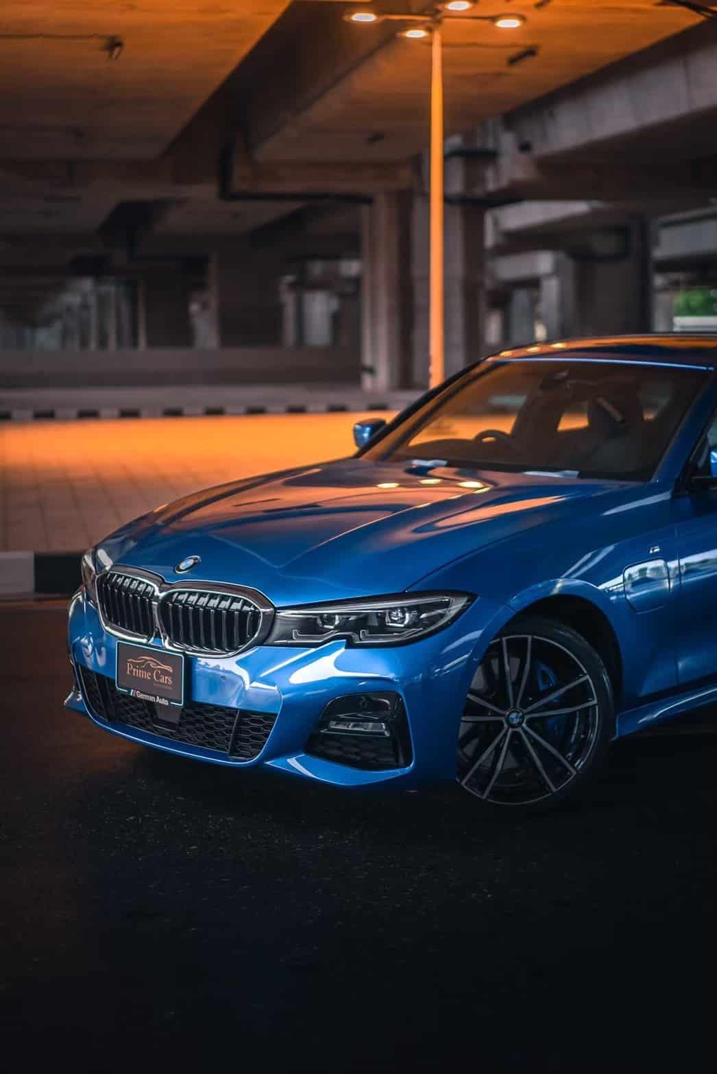 รถ BMW 3 Series 330e M Sport front